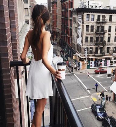 Незнакомка на балконе